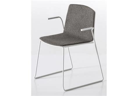 stuhl kufen rama kufen stuhl bedeckt mit armlehnen kristalia milia shop