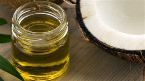 Minyak Kelapa Saat Ini jenis jenis minyak yang diyakini bisa menyembuhkan jerawat