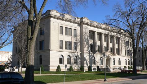 Tazewell County Illinois Court Records File Tazewell County Illinois Courthouse From Sw 2 Jpg Wikimedia Commons