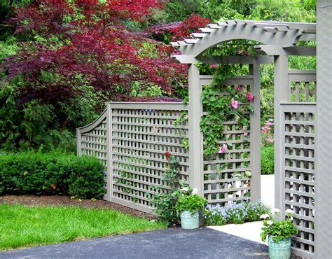 Design For Lattice Fence Ideas Sublime Garden Lattice Rug Decorating Ideas Images In Exterior Contemporary Design Ideas