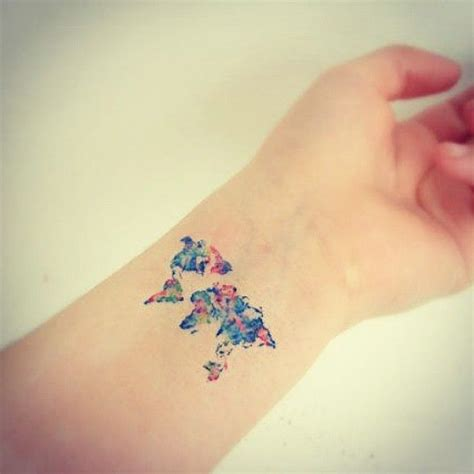 tattoo mata mundo e 25 melhores ideias sobre tatuagems de mapa do mundo no
