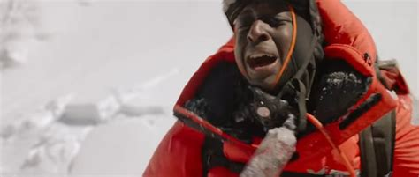film everest francais trailer premiere ahmed sylla climbs mt everest in the