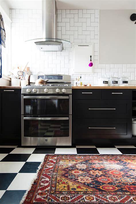 Ikea Black Kitchen Cabinets by Touring Shavonda Gardner S Eclectic Home Ikea Kitchen