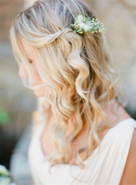 bridal hairstyles curly updos wedding summer spring best 25 flower hairstyles ideas on pinterest easy