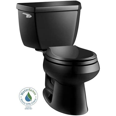 schwarze toilette kohler wellworth classic 2 1 28 gpf front