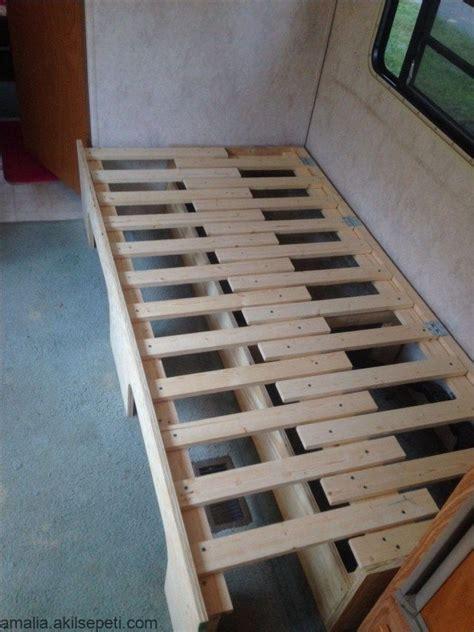 tirare fuori il letto campervan bed camper renovation
