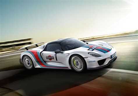 martini porsche 918 car thief takes porsche 918 spyder with weissach package