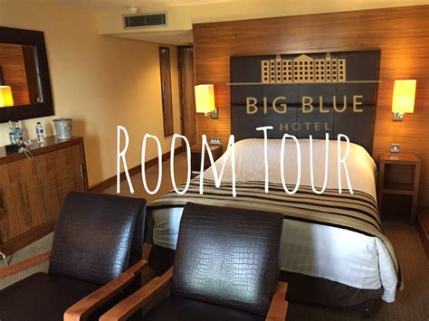 bid on hotel big blue hotel room tour