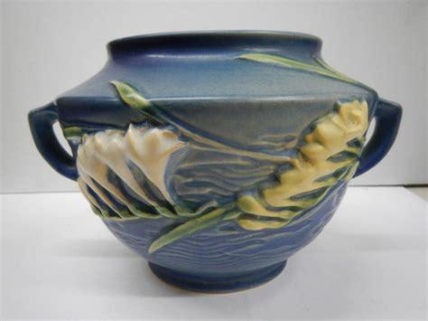 roseville pattern numbers vintage roseville pottery planter pot freesia blue
