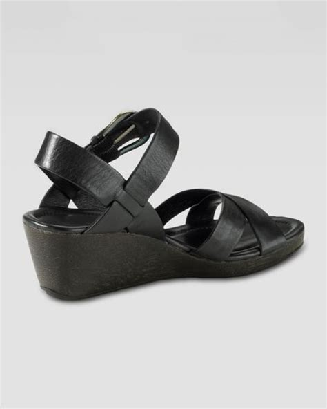Sandal Tali Heels Rendah Shh2882 cole haan air tali low wedge sandal black in black lyst
