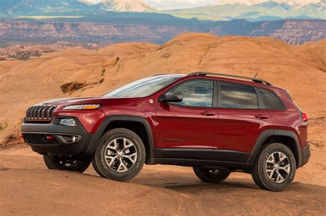 first jeep cherokee 2014 jeep cherokee first drive truck trend
