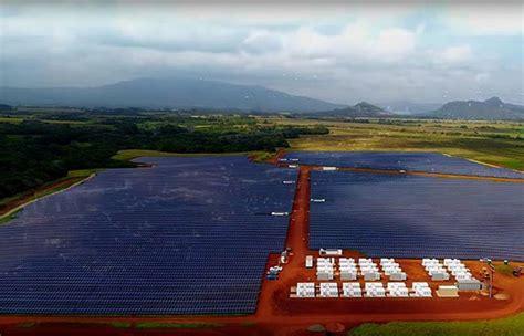 elon musk kauai tesla s largest solar farm opens in kauai hawaii