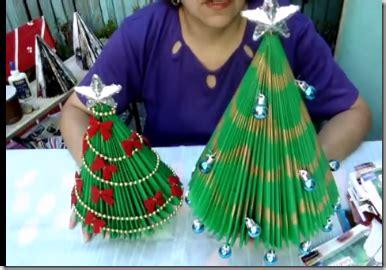 arboles de navidad hechos con revistas manualidades 225 rbol de navidad hecho con revistas recicladas