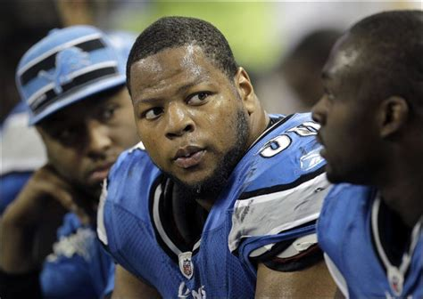 ndamukong suh max bench press women dispute suh s claim that nobody was injured when he