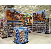 Toys R Us Boutiques Promote Toy Story 3 06/02/2010