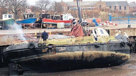casper boat club menu avonturiers in wrakke boot vermist op volle zee