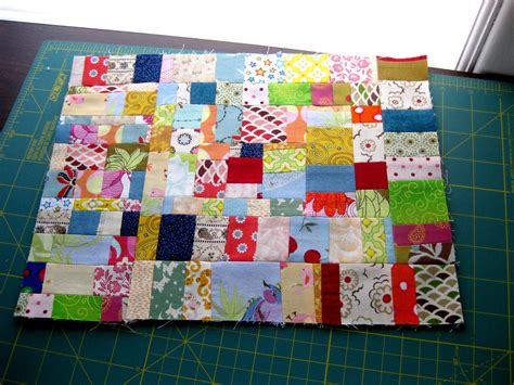 How Do I Make A Patchwork Quilt - tutorial scraptacularity part i working with on grain