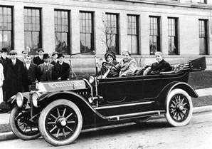 How Did Henry Ford Affect The Automobile Industry Automobiles In 1920s History Production Schoolworkhelper