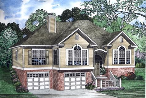 small split foyer house plans split foyer house plans smalltowndjs com