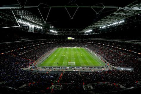 uks  biggest football stadiums london