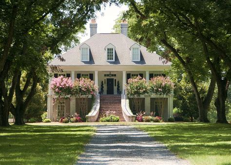 plantation style houses eye for design antebellum interiors with southern charm