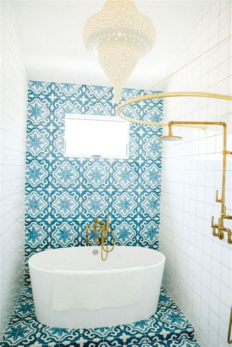 blue white bathrooms ideas  pinterest blue