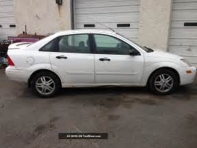 2000 ford focus se sedan 4 door 2 0l