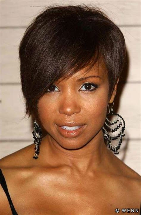 black ladies with round face hair style natural weaves styles to weave hairstyles for black