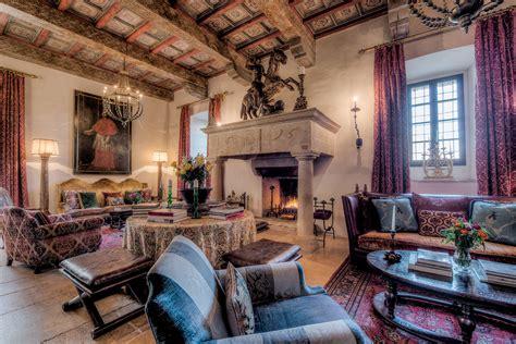 Santa In Living Room by Living Room Santa Eurasia