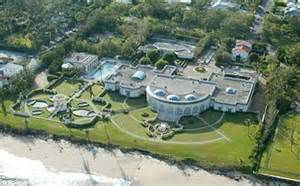 donald trump home address russian mogul buys donald trump s palm beach home for 95