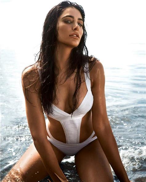 Sexiest Bodies by 5 Steps To Get A Like Nargis Fakhri