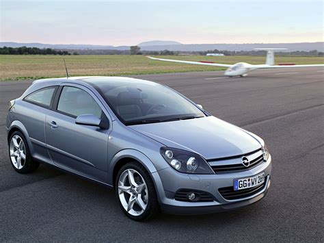 opel astra 2005 coupe astra h