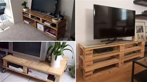 mobili fatti con i bancali mobiletti porta tv realizzati con bancali in legno bcasa
