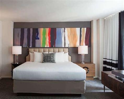 quadri sopra il letto appendere i quadri in da letto foto 6 40 design mag