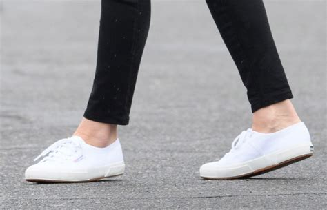 kate middleton shoes kate middleton changed shoes 3 times to bid canada