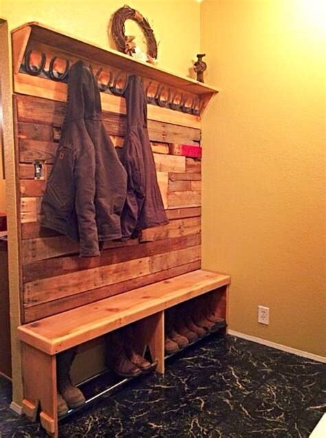 boot bench with coat rack horse shoes pallet walls and coat racks on pinterest
