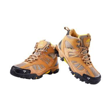 Sepatu Boots Hiking Gunung Pria Hitam Cbr Six Bsc 772 Original jual sepatu outdoor model terbaru harga menarik blibli
