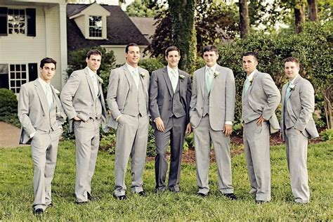 2015 Grey Groomsmen Tuxedo Suits One Button Wedding Suits