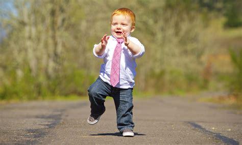 imagenes niños aprendiendo a caminar cuando un ni 241 o cae 50 veces aprendiendo a caminar by