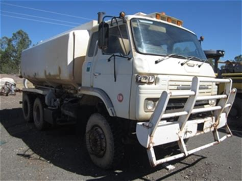 nissan ud cw wd water truck auction
