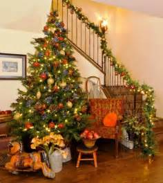 how to decorate with ribbon a tree professionally decorated trees with ribbon