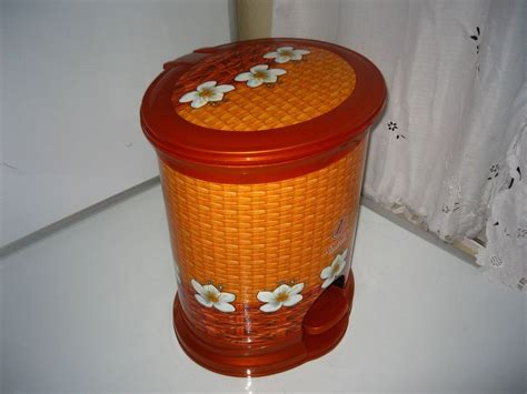Decorative Trash Cans by Decorative Plastic Step Trash Can 16 Quot Ebay