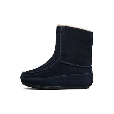 mukluk boots fitflops mukluk suede fitflop boot in supernavy mozimo