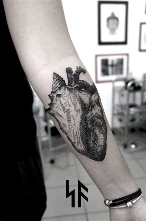 ink link tattoos 32 best cool black tattoos images on black