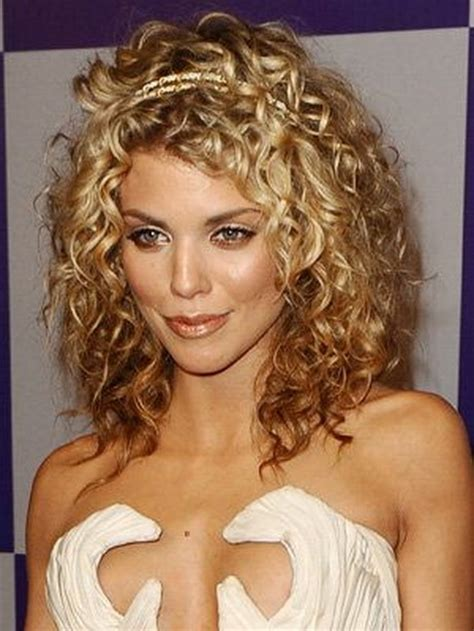 best haircuts and styles for curly hair best cuts for curly hair