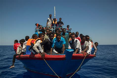 boats europe algeria picks up 286 boat migrants en route to europe