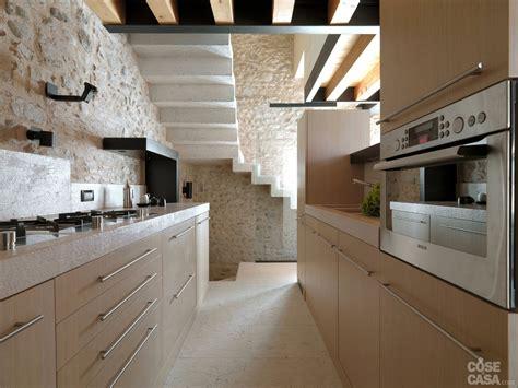 interni in legno e pietra legno e pietra a vista nella casa restaurata cose di casa