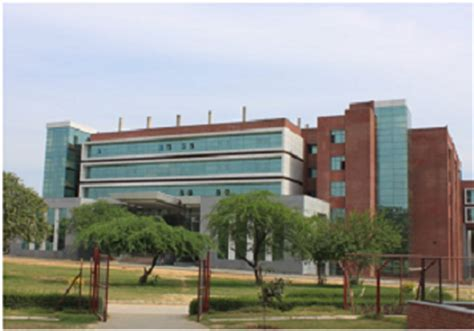 List Of Mba Colleges In Gurgaon by List Of Top Mba Colleges In Gurgaon Dehradun Cochin