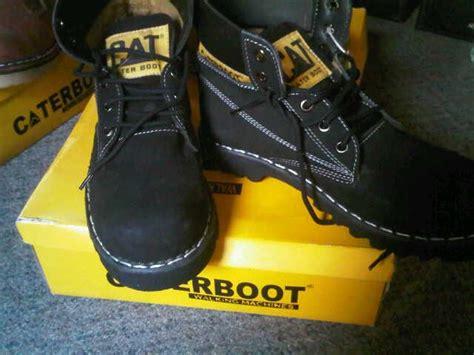 Kaos Hitam Caterpillar bebegug10 caterpillar dan caterboot safety shoes