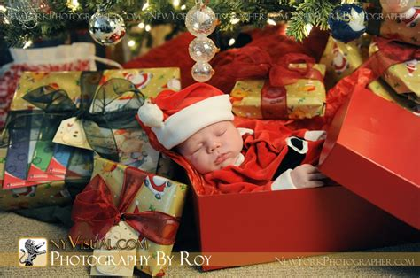 michael newborn christmas portrait mount vernon